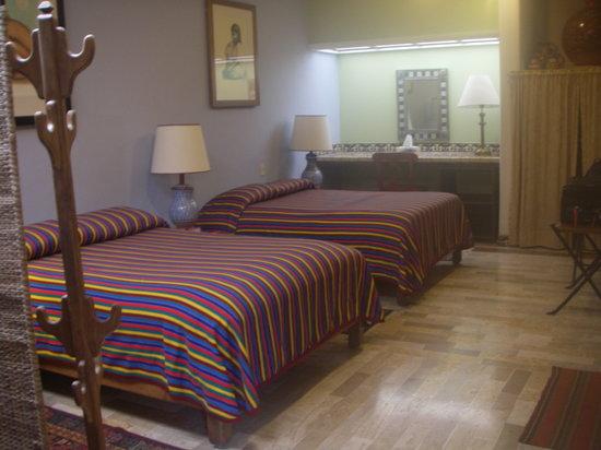 Casa de Las Flores :                   Room detail