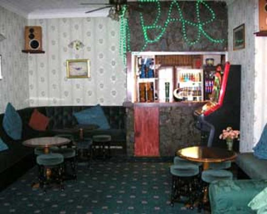 Leatham Park Guest House: BAr