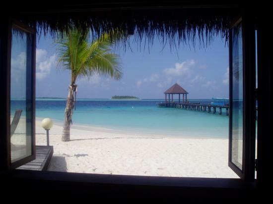 Komandoo Maldives Island Resort: view from the bar