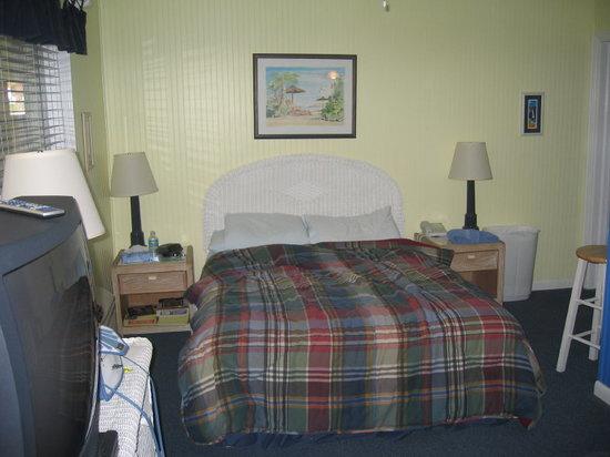 Barefoot Bay Resort and Marina: Bed