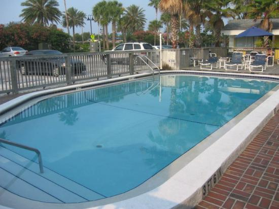 Barefoot Bay Resort and Marina: Pool