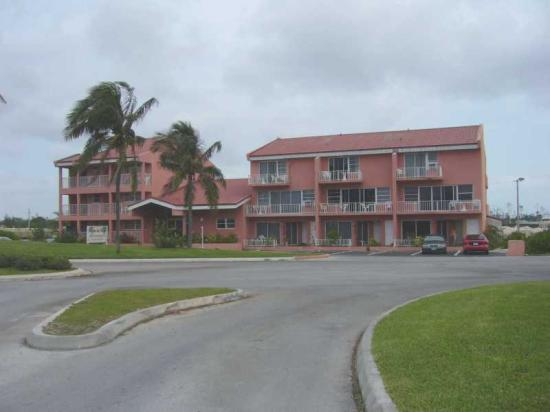 Dundee Bay Villas: Front View