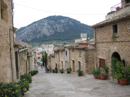 Hotels Near Alcudia Old Town