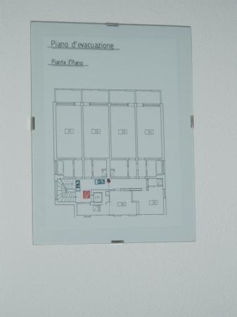 Hotel Excelsior: basic floor plan of hotel