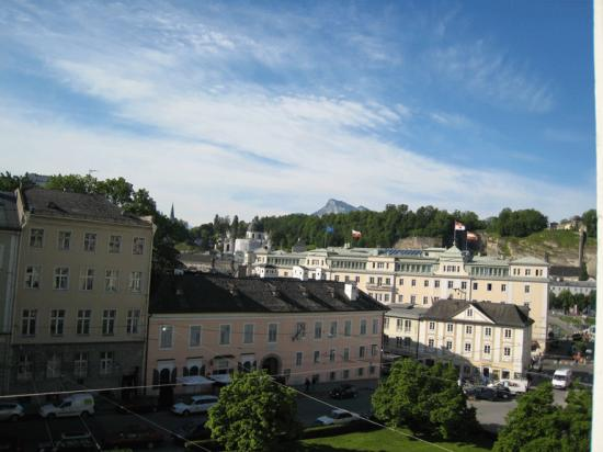 Bristol Hotel Salzburg: View from our room at the Hotel Bristol with Mozart House across the square