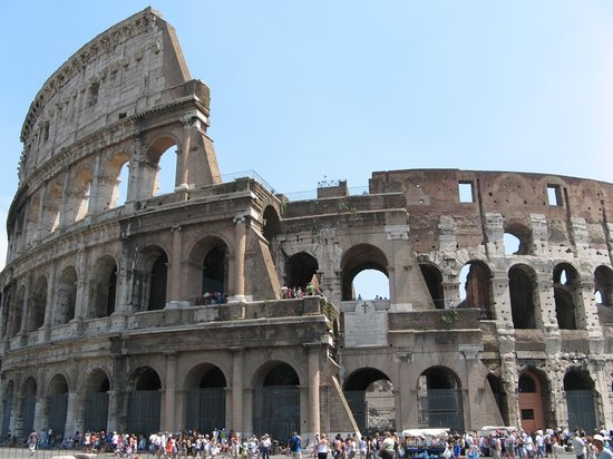 Roma, Itália: The Colosseum