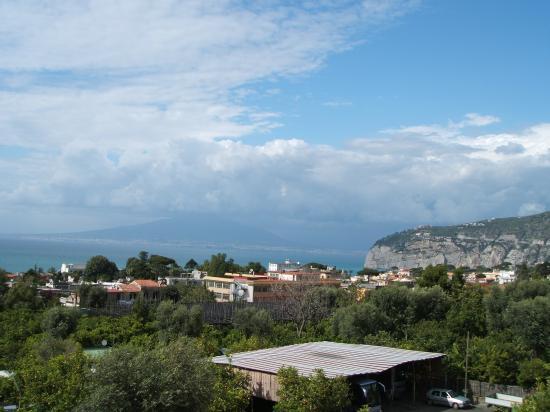 Comfort Hotel Gardenia Sorrento Coast: View of Vesuvius from roof terrace
