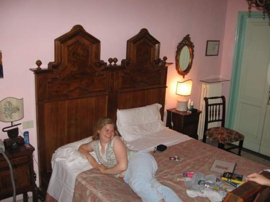 Hotel Il Bargellino: Not a Howard Johnson's room