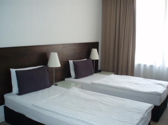 Adina Apartment Hotel Budapest: Beds in Superior room