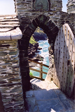 ‪‪Tintagel‬, UK: Tintagel Castle Gate‬