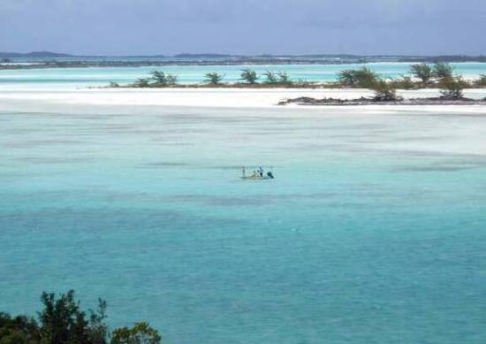 Exuma Vacation Cottages: Bonefishing across from the cottages