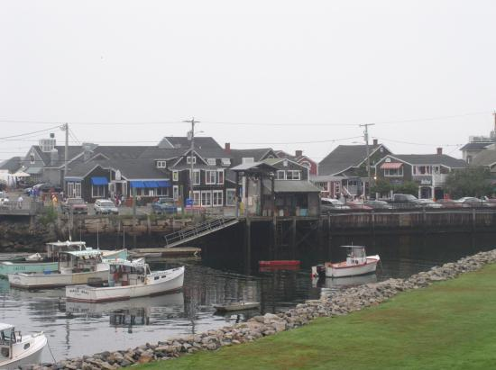 view of Perkins Cove from the Riverside Motel
