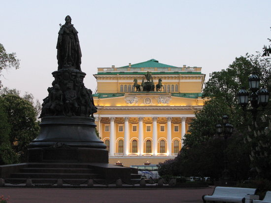 Alexandrinsky Theatre: outside of theatre