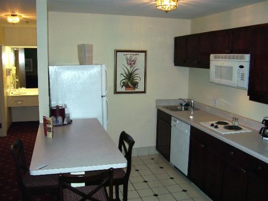 Hampton Inn and Suites Tucson-Mall: kitchenette