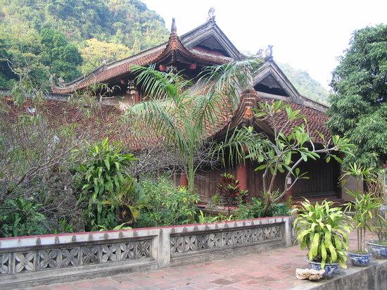 Hanoi, Vietnam: Thien Tru Pagoda