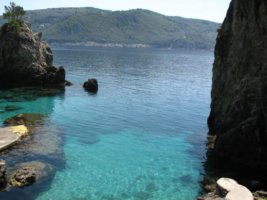 Corfu, Grækenland: Beautifully clear water