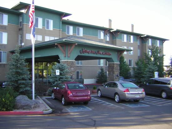 Hampton Inn & Suites Flagstaff: Hotel entrance