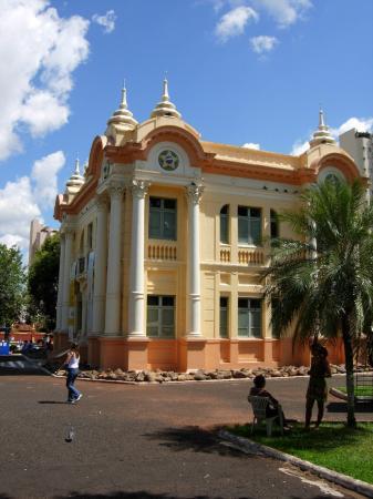 Ουμπερλάντια: Gebäude für Kulturausstellungen