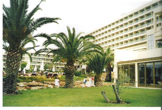 Sani Beach: exterior view and gardens as seen from ammos beach bar