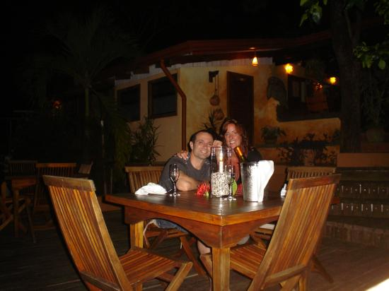 Nature Lodge Finca los Caballos: Dinner on the Veranda