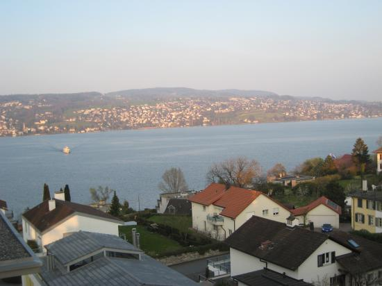 Hotel Sedartis: Lake Zurich from our room
