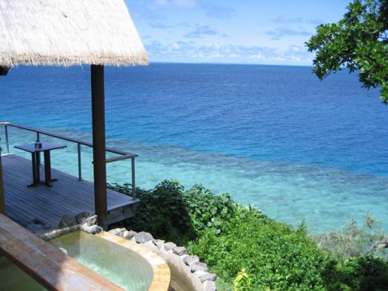 Royal Davui Island Resort: Balcony & Pool