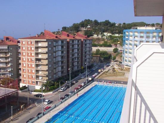 Hotel Catalonia: Training pool from 8th floor balcony - Hotal catalonia
