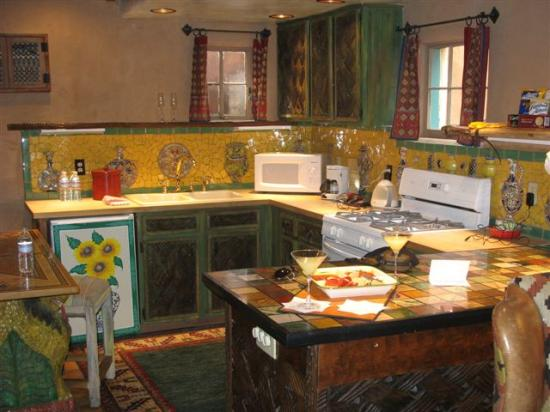 Inn of the Five Graces : Kitchen Area