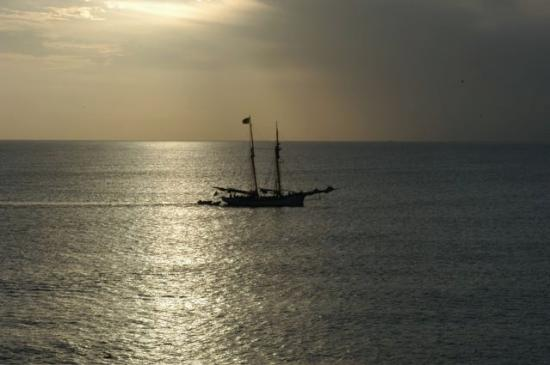 Cliff Dwellers Villas : Nevis Sunset