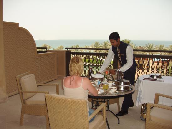 Jumeirah Mina A'Salam : Breakfast Is Served