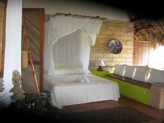 La Quinta Troppo: View of the Bed w/Mosquito Net