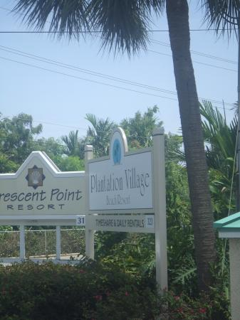 Plantation Village Beach Resort: entrance