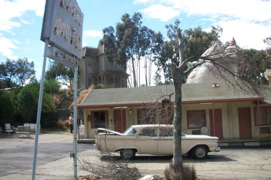 Universal Studios Hollywood Bates Motel