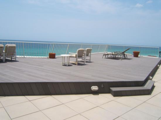 Edgewater Beach Condominium: Our incredibly spacious deck overlooking the ocean