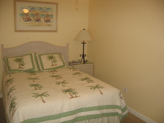 Tradewinds Beach Resort : Bedroom