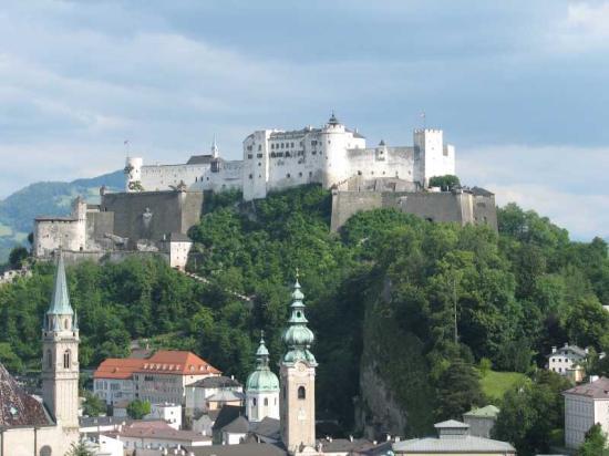 ซาลซ์บูร์ก, ออสเตรีย: Salzburg Castle