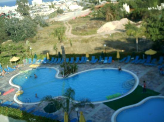 smartline Lantiana Gardens: Swimming pool