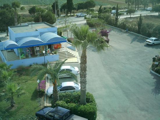 smartline Lantiana Gardens: supermaket at hotel