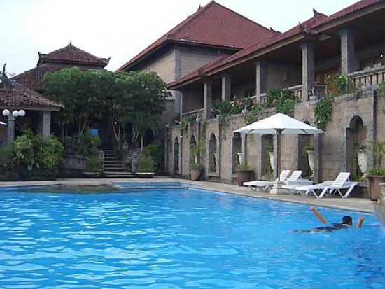 Jimbaran Hills Resort & Spa: main pool