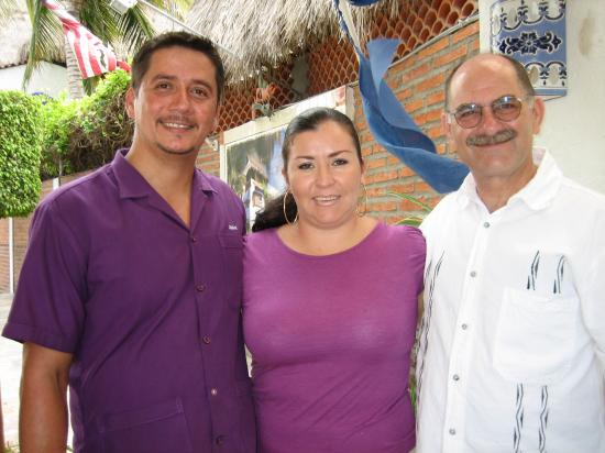 Villa Bella Bed and Breakfast Inn: Juan, Elsa, homer