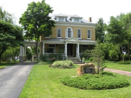 Photo of BEALL MANSION An Elegant Bed & Breakfast Inn Alton