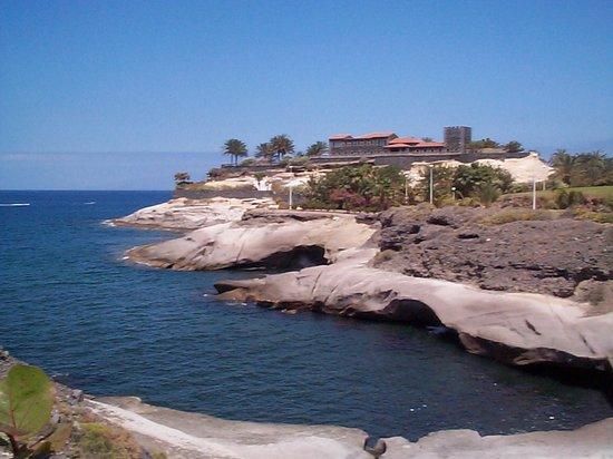 Hotel Chatur Playa Real: Adeje coastline