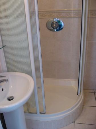 Hollybank B&B: Bathroom