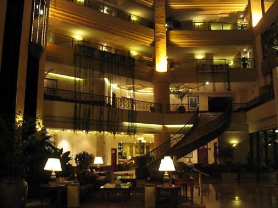 Grand Tikal Futura Hotel: more lobby pics