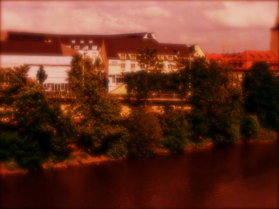 Maritim Hotel Würzburg: Maritme from the bridge