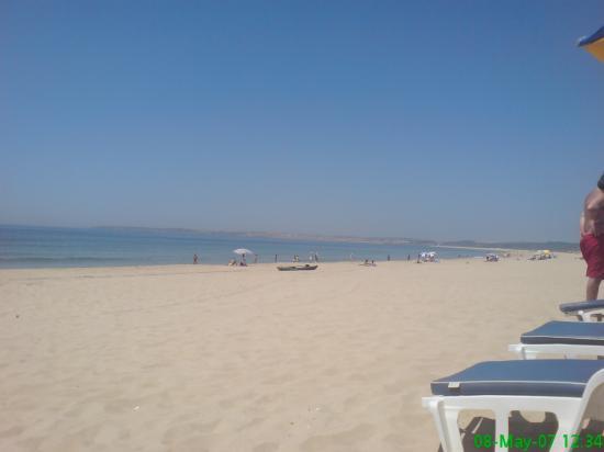 Dunas do Alvor Apartments: Beach heaven at Midday