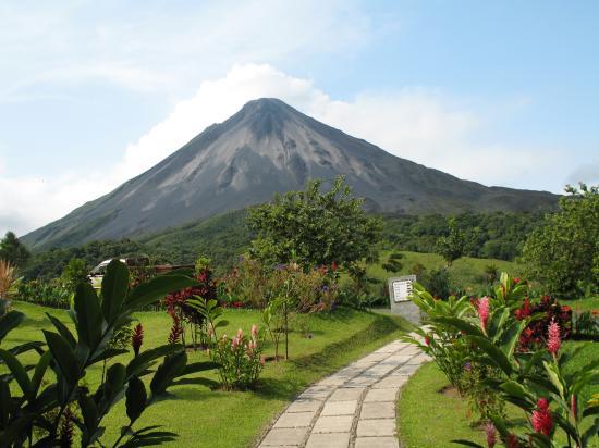 Arenal Kioro Suites & Spa : arenal volcano