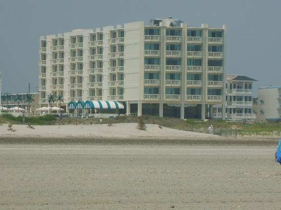 Port Royal Hotel: the hotel from the beach