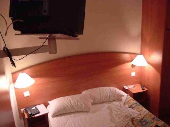 Hotel Central : the bed