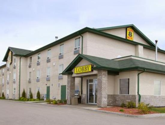 Super 8 Prince Albert : A photo of the Super 8 Motel, in Prince Albert, SK.